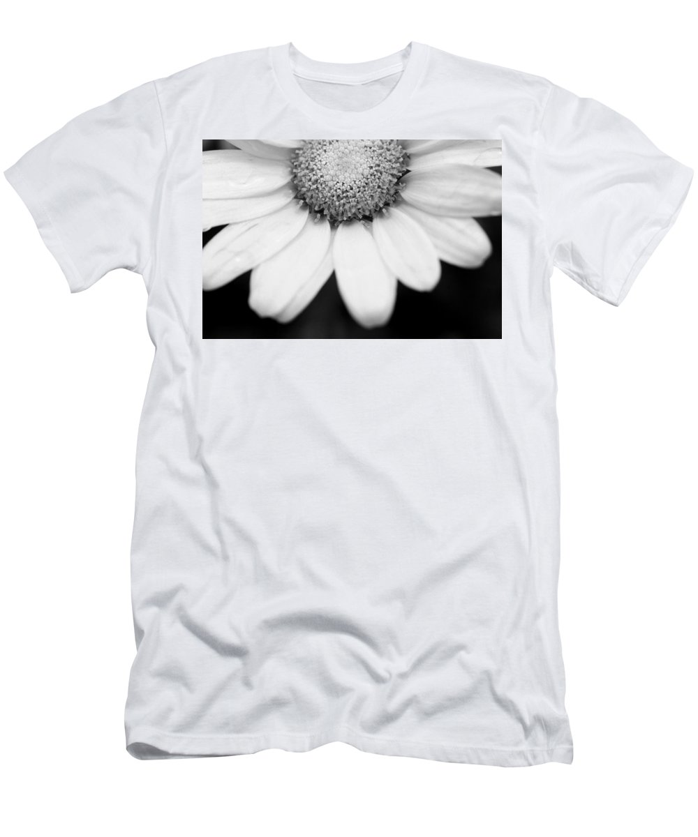 Flower Men's T-Shirt (Athletic Fit) featuring the photograph Daisy Smile - Black And White by Angela Rath