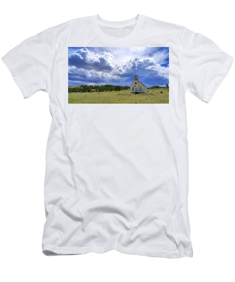 Skip Hunt Men's T-Shirt (Athletic Fit) featuring the photograph Defiant by Skip Hunt