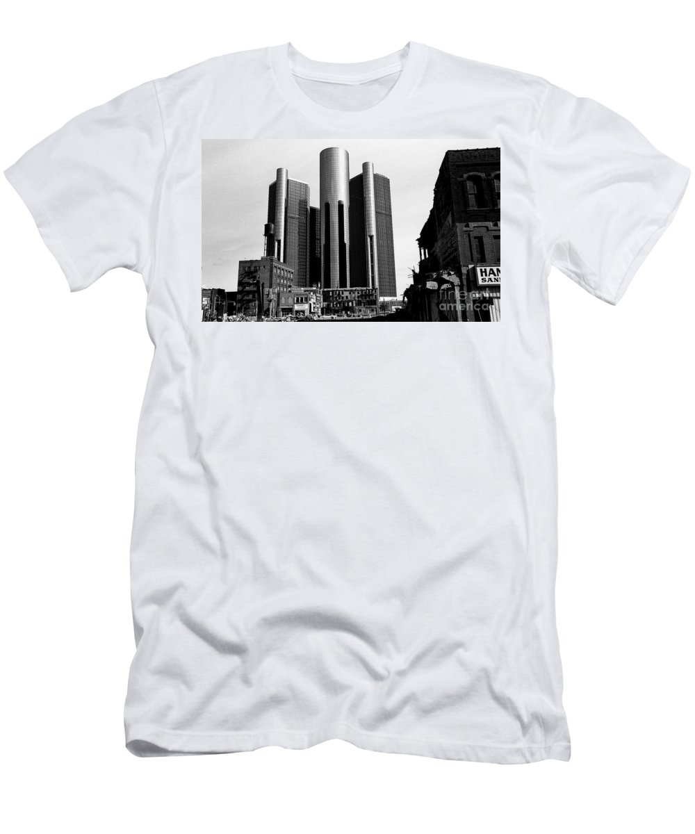 Detroit Men's T-Shirt (Athletic Fit) featuring the photograph Detroit Rc From Congress by Steven Dunn
