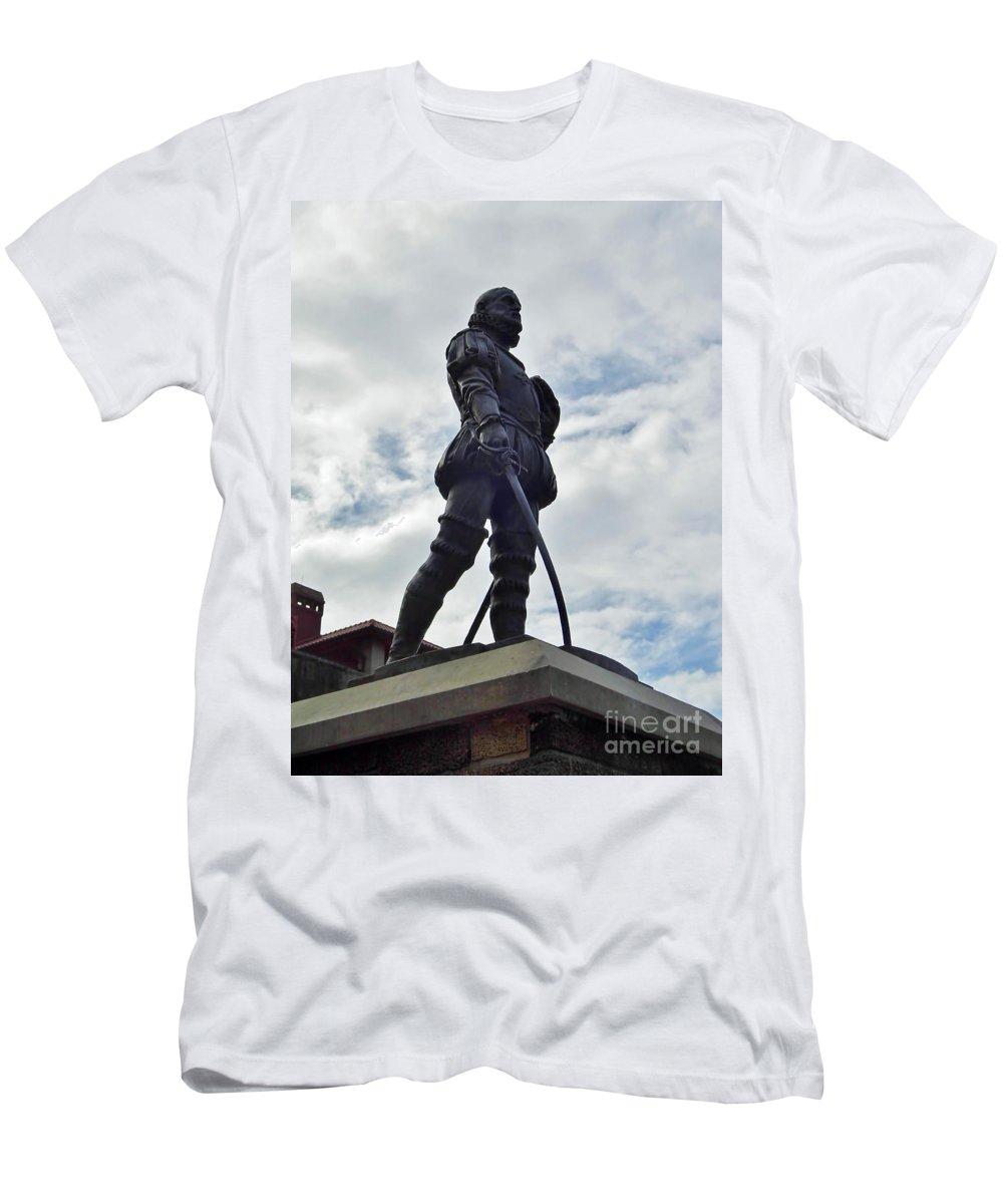 Statue Men's T-Shirt (Athletic Fit) featuring the photograph Don Pedro Menendez De Aviles by D Hackett