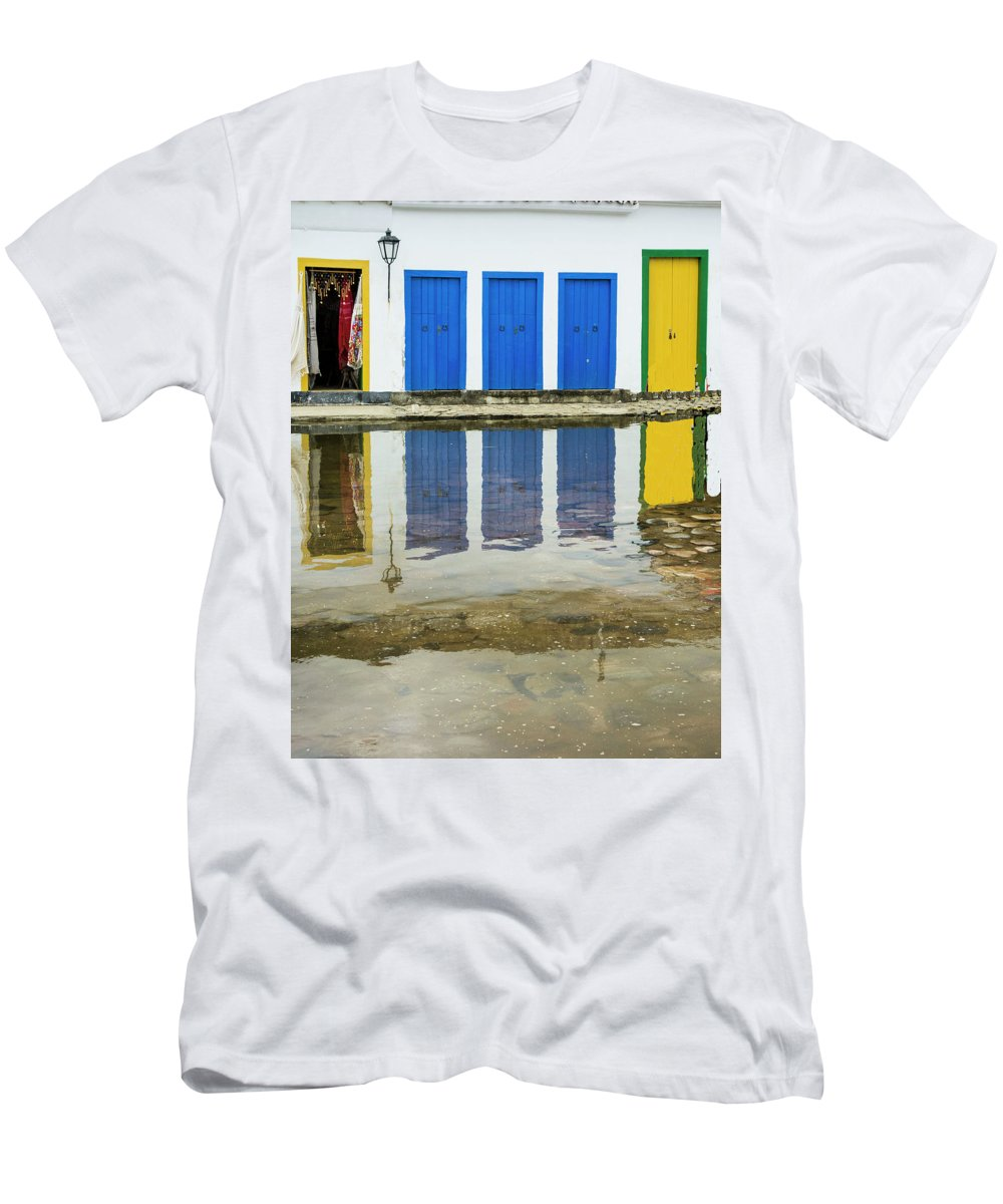 Landscape Men's T-Shirt (Athletic Fit) featuring the photograph Doorways In Paraty by Stan Roban