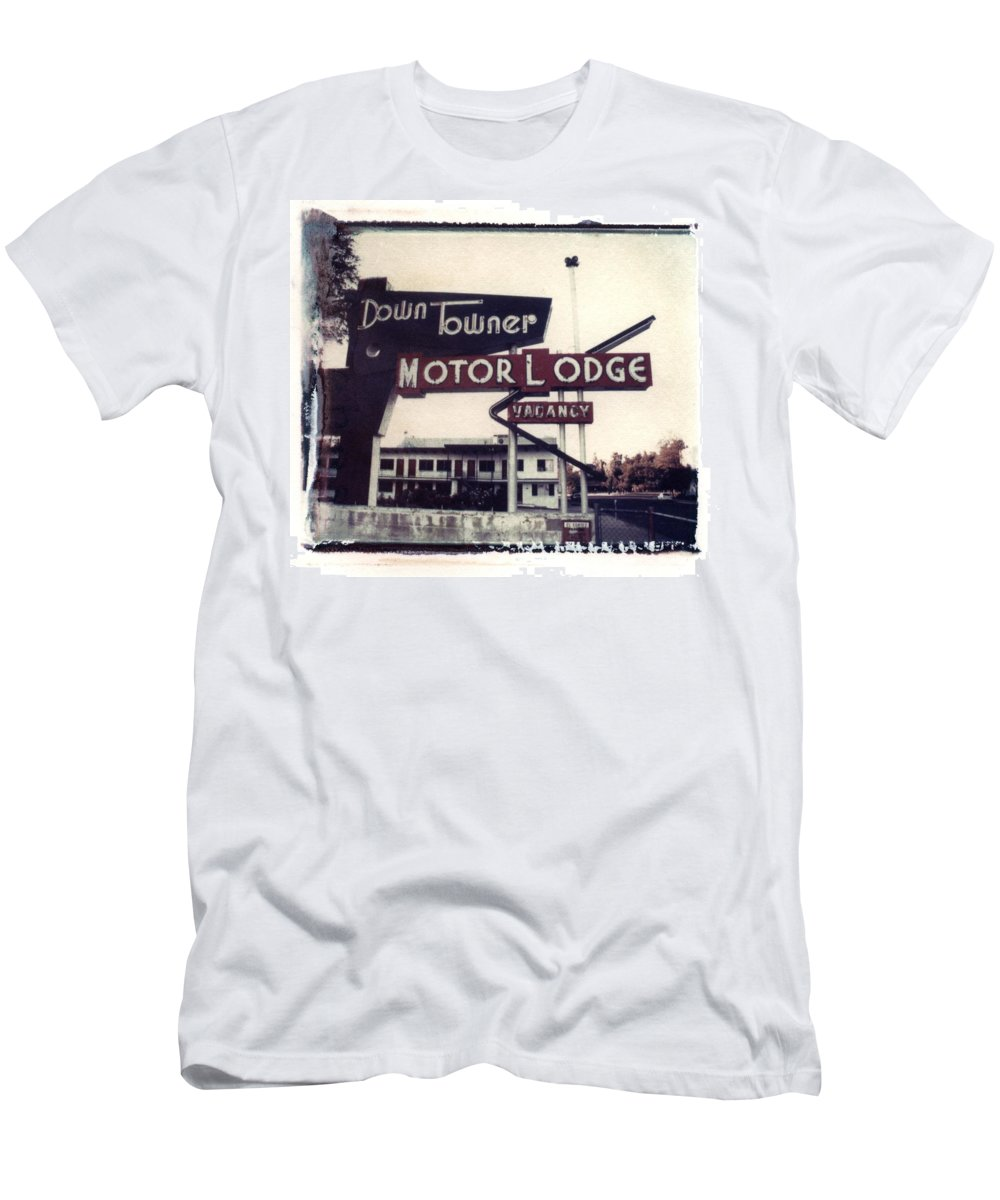 Landscape Men's T-Shirt (Athletic Fit) featuring the photograph Down Towner by Jane Linders