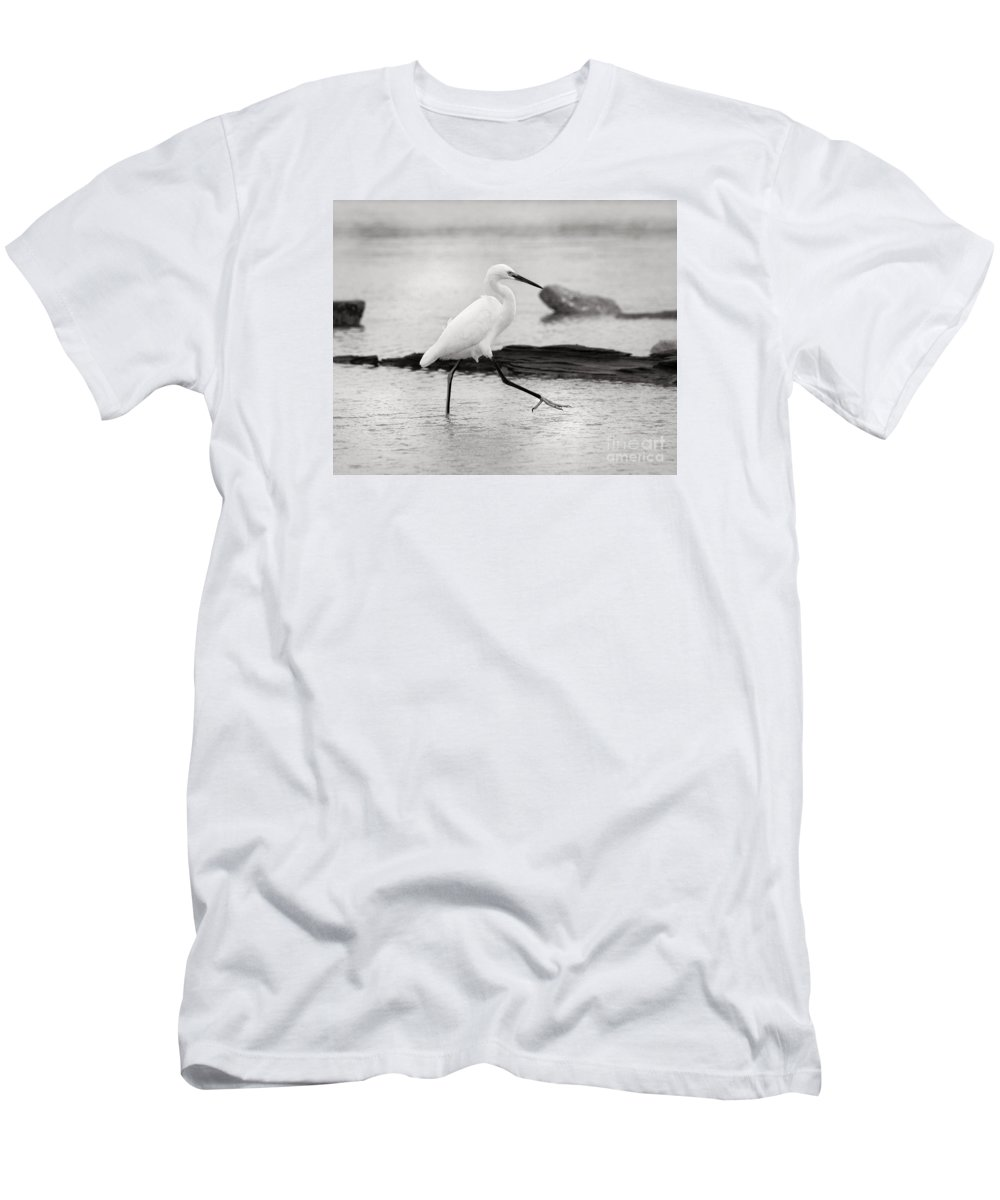 Men's T-Shirt (Athletic Fit) featuring the photograph Egret Step In Black And White by Angela Rath