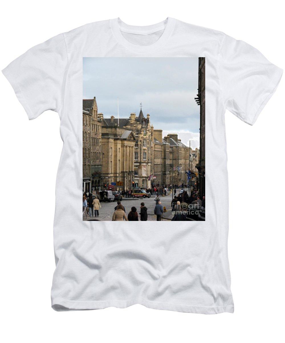 Edinburgh Men's T-Shirt (Athletic Fit) featuring the photograph Fall Day In Edinburgh by Amanda Barcon