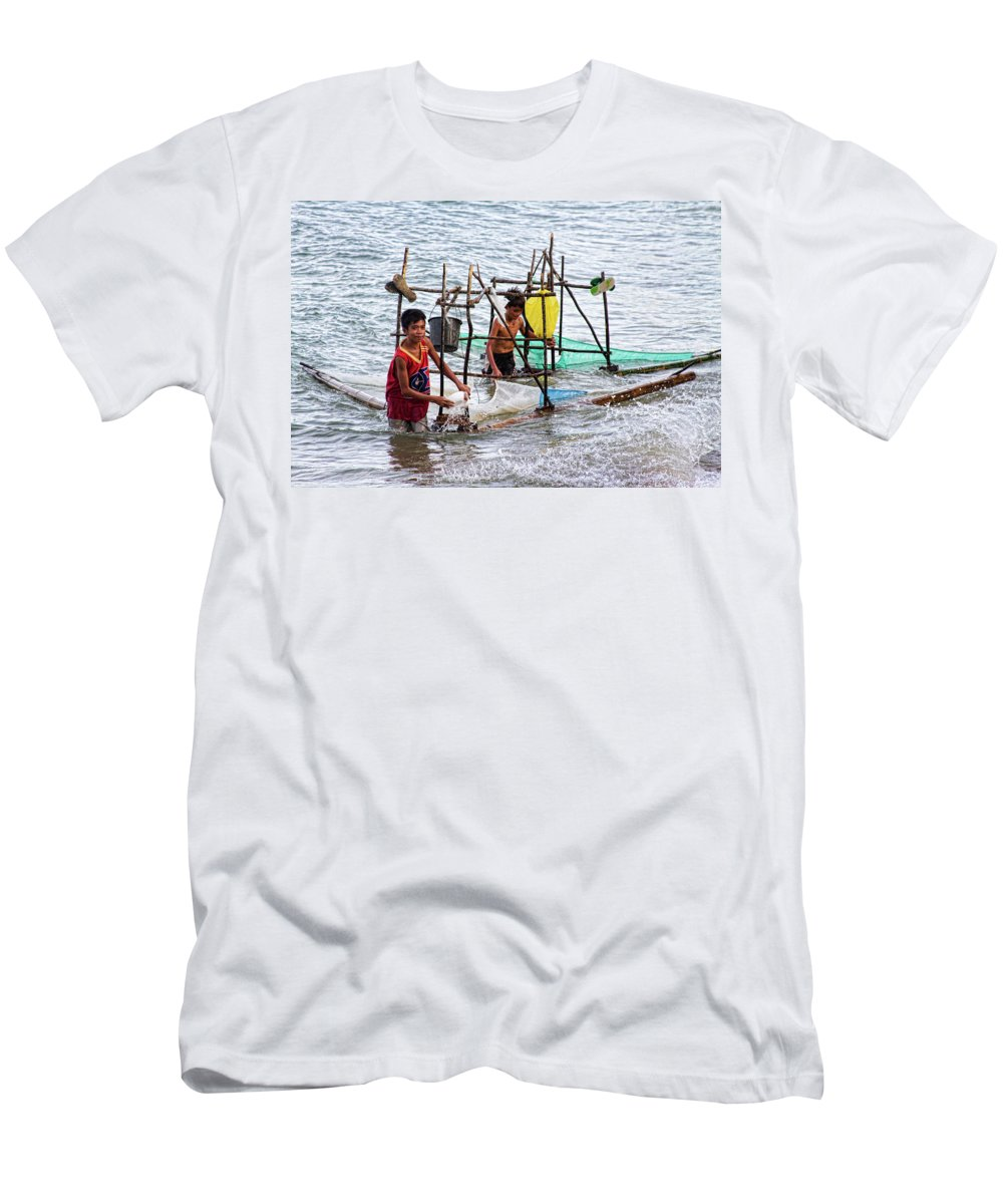 Philippines Men's T-Shirt (Athletic Fit) featuring the photograph Filipino Fishing by James BO Insogna