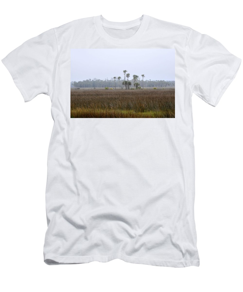 Florida Men's T-Shirt (Athletic Fit) featuring the photograph Foggy Morning by David Lee Thompson