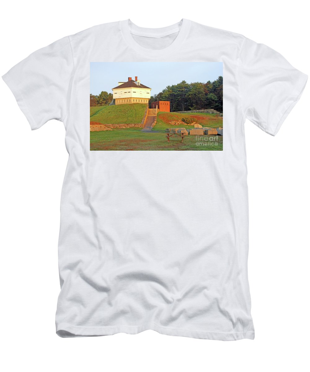 Maine Men's T-Shirt (Athletic Fit) featuring the photograph Fort Mcclary, Kittery Point, Maine by Steve Gass