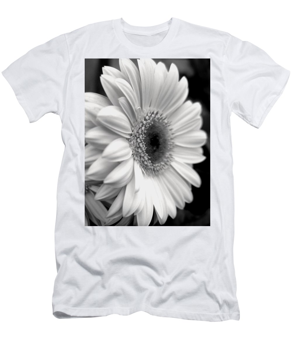 Flora Men's T-Shirt (Athletic Fit) featuring the photograph Gerbera Daisy by Natasha Sweetapple