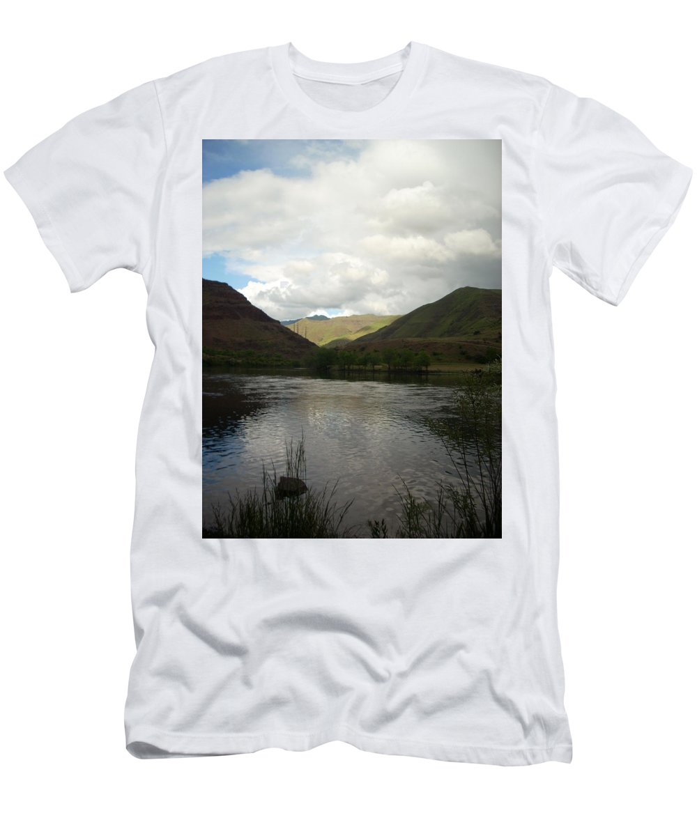 Water Men's T-Shirt (Athletic Fit) featuring the photograph Happy Place by Sara Stevenson
