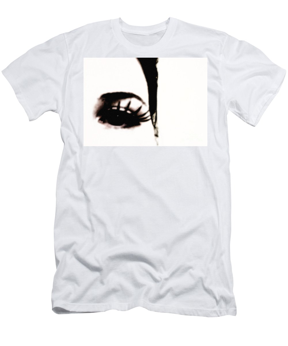 Eye Men's T-Shirt (Athletic Fit) featuring the photograph Hello by Amanda Barcon