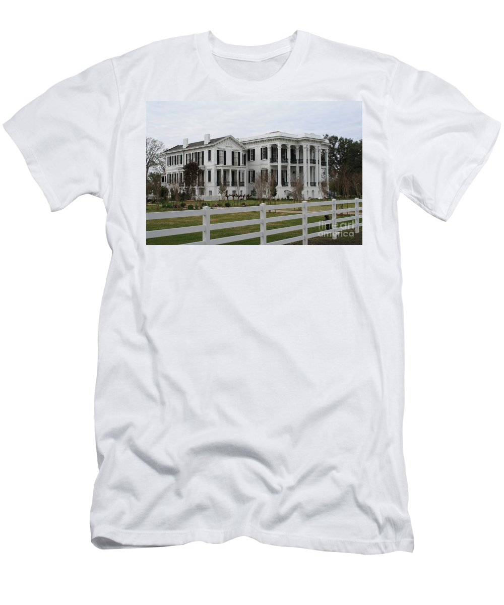 Nottoway Men's T-Shirt (Athletic Fit) featuring the photograph Historic Plantation by John W Smith III