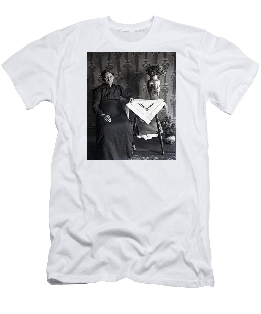 Edwardian Men's T-Shirt (Athletic Fit) featuring the photograph Hurry It Up Sonny by Rachel Knight