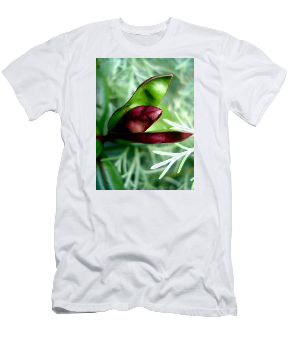 Flowers Men's T-Shirt (Athletic Fit) featuring the photograph Jack In The Pulpit 4 by Nelson F Martinez