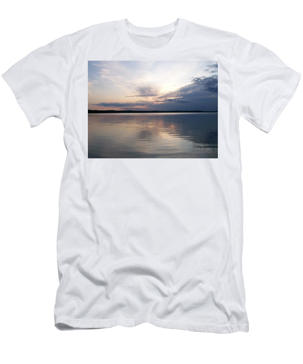 Men's T-Shirt (Athletic Fit) featuring the photograph Lake Horizon No. 3 by Alissa Raasch
