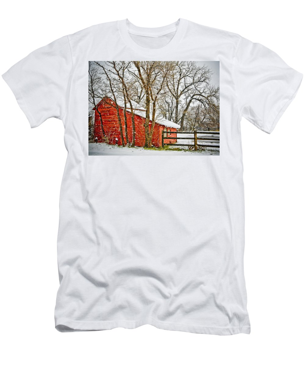 Americana Men's T-Shirt (Athletic Fit) featuring the photograph Loafing Shed by Marilyn Hunt