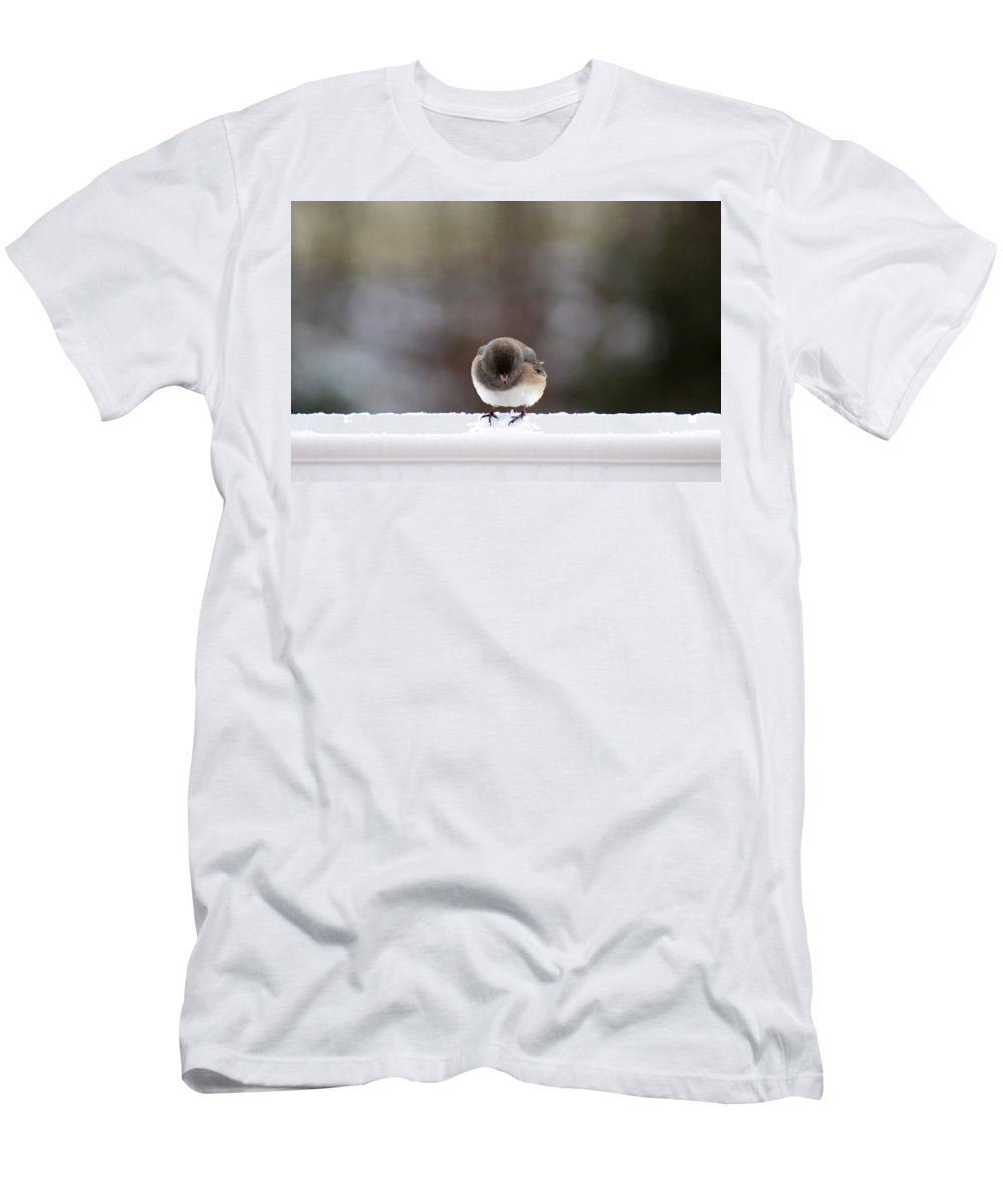 Bird Men's T-Shirt (Athletic Fit) featuring the digital art Lookout Below by Mary Lucuski