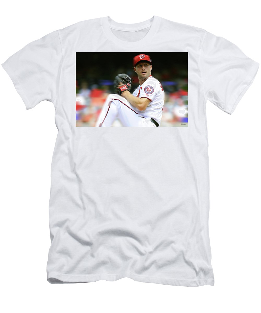 quality design 4a7a3 33242 Max Scherzer, Washington Nationals Men's T-Shirt (Athletic Fit)