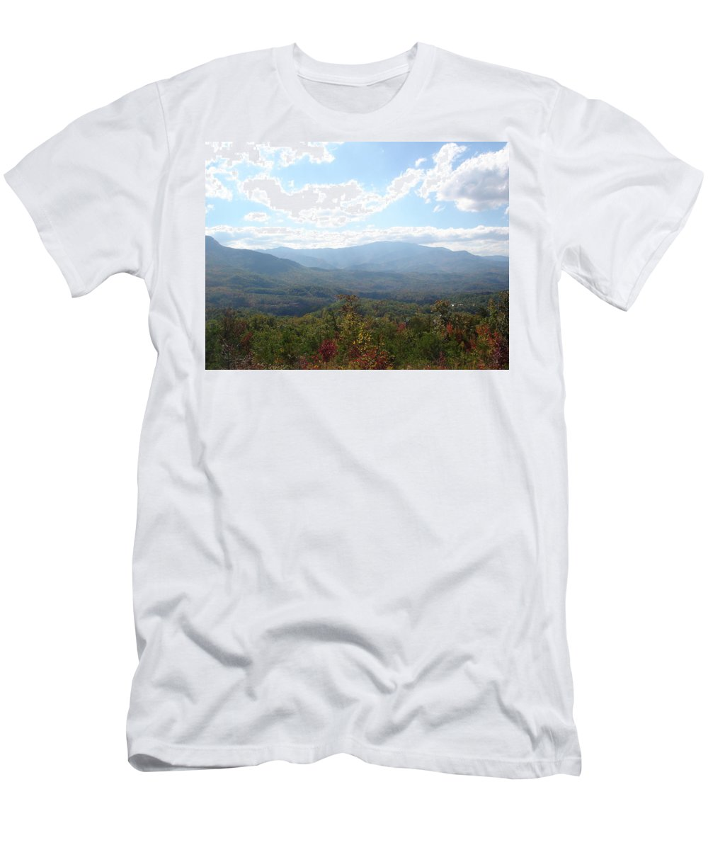 Tennessee Men's T-Shirt (Athletic Fit) featuring the photograph Modest Beauty by Brittany Horton