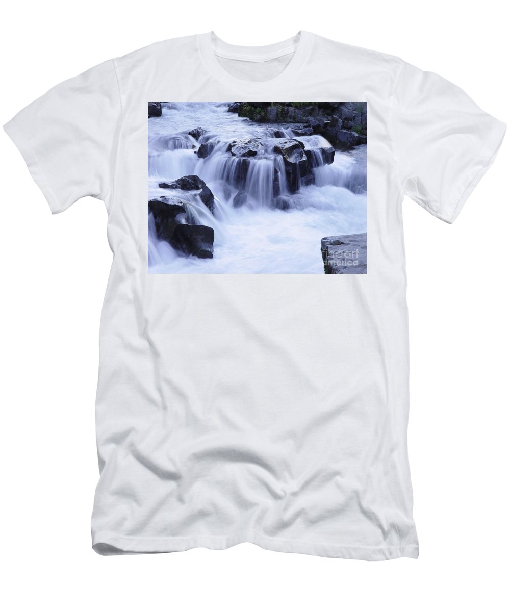 Waterfall Men's T-Shirt (Athletic Fit) featuring the photograph Natural Bridges Falls 01 by Peter Piatt