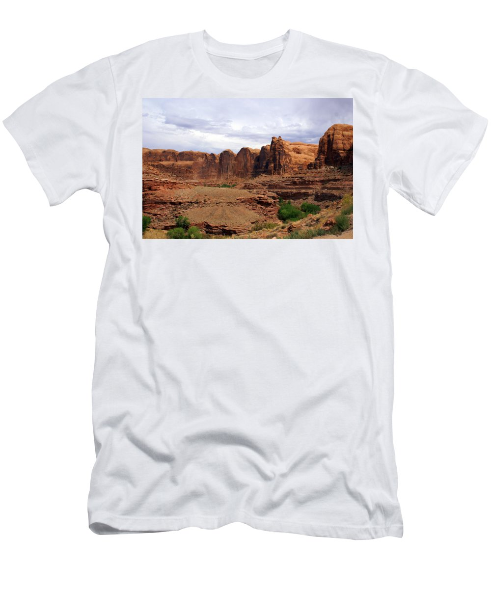 Canyon Men's T-Shirt (Athletic Fit) featuring the photograph Near Moab 4 by Marty Koch