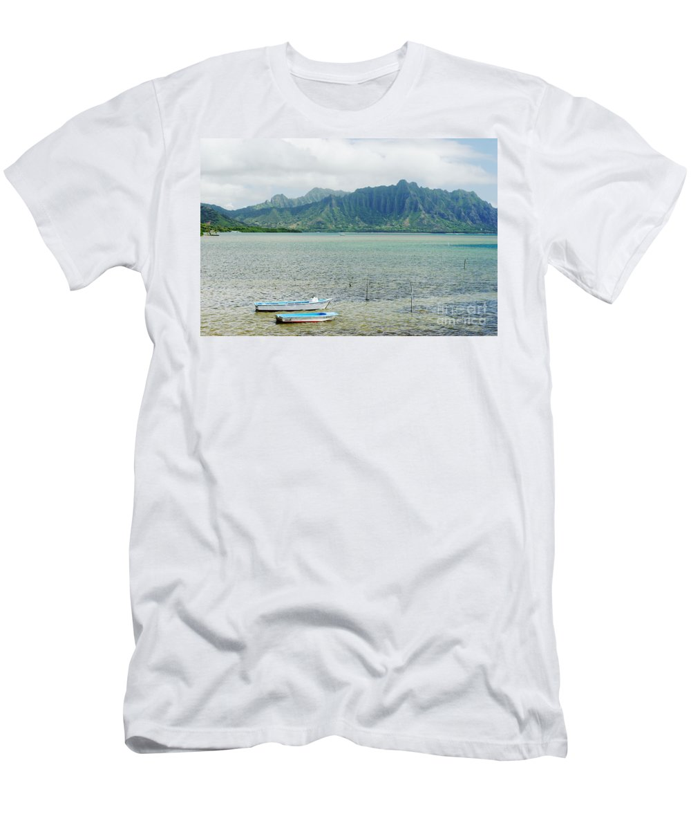 Anchor Men's T-Shirt (Athletic Fit) featuring the photograph Oahu, Kaneohe Bay by Vince Cavataio - Printscapes