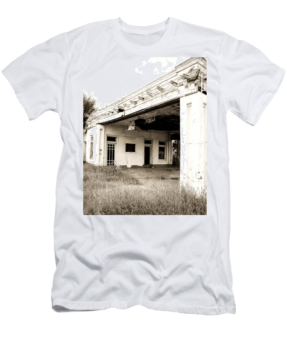 Americana Men's T-Shirt (Athletic Fit) featuring the photograph Old Art Deco Filling Station by Marilyn Hunt