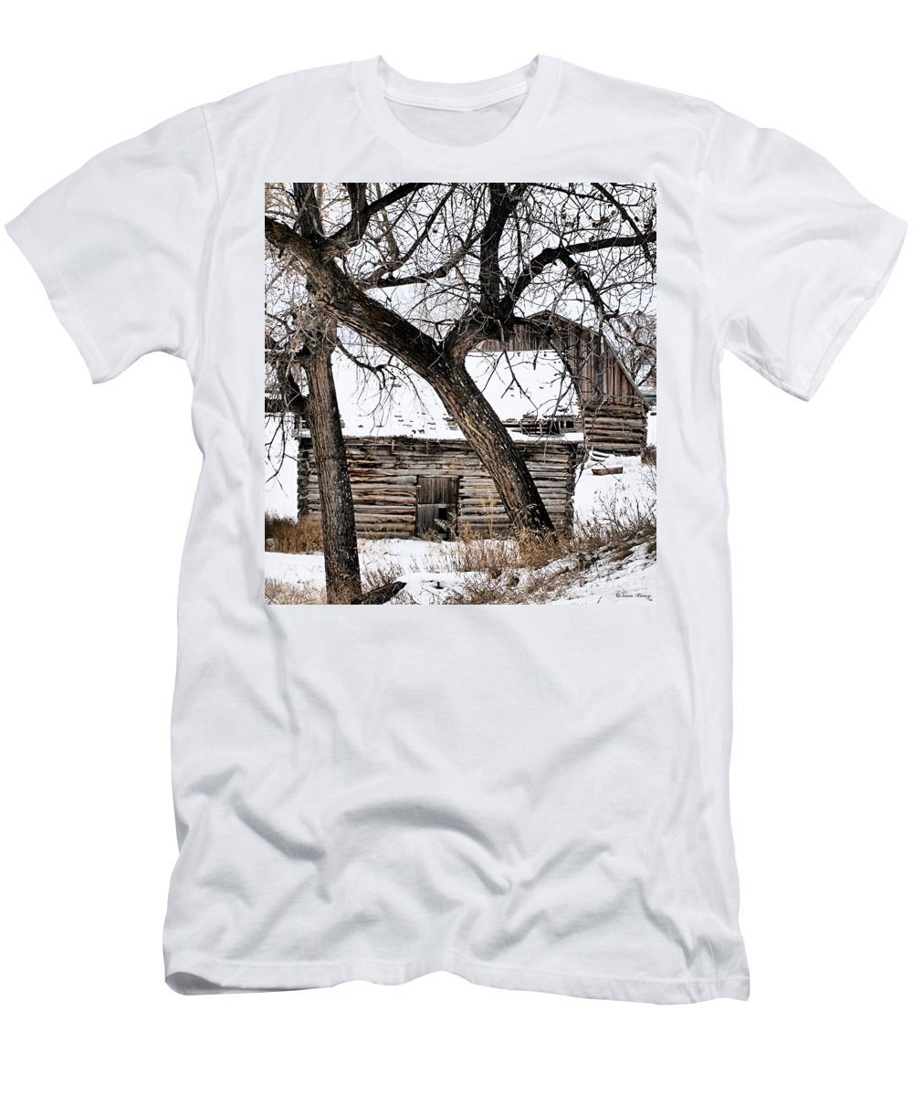 Old Barn Men's T-Shirt (Athletic Fit) featuring the photograph Old Ulm Barn by Susan Kinney