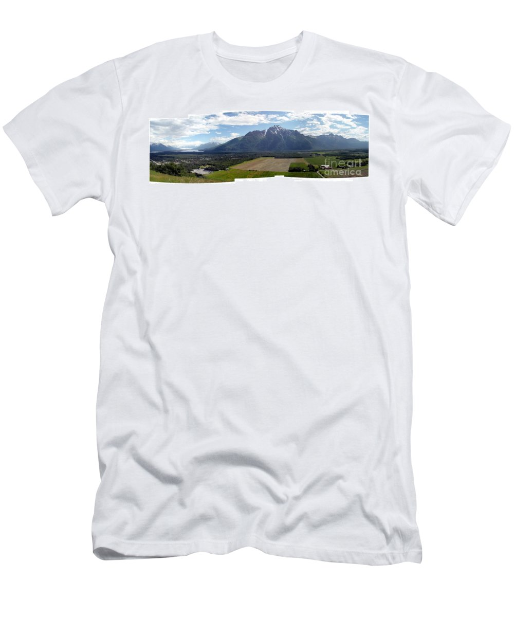 Landscape Men's T-Shirt (Athletic Fit) featuring the photograph On A Butteiful Day by Ron Bissett