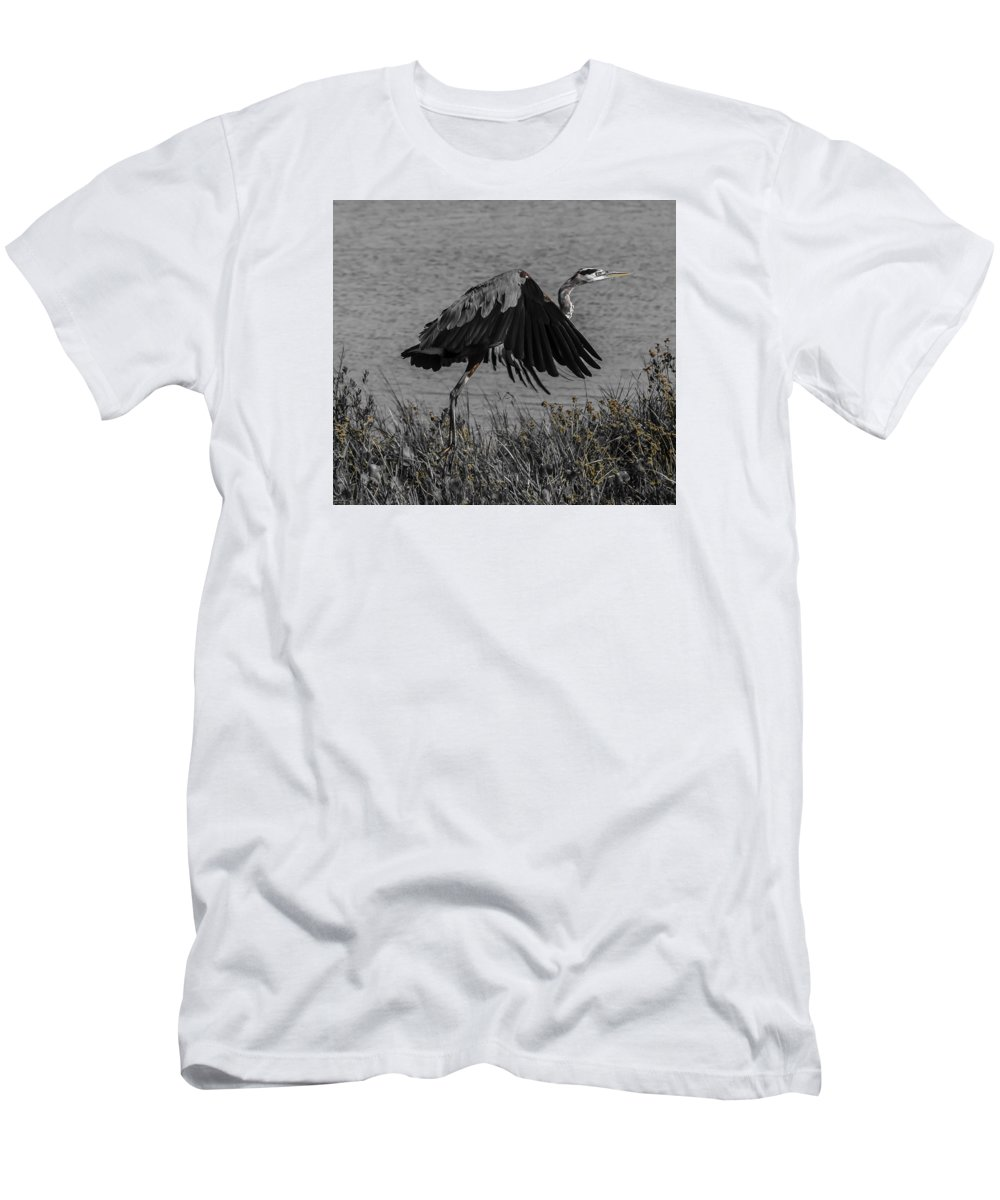 Bird Men's T-Shirt (Athletic Fit) featuring the photograph On Your Mark by Leticia Latocki