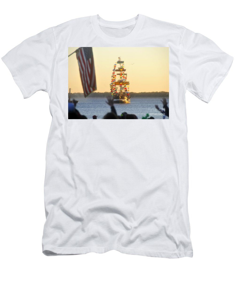 Gasparilla Children's Parade Men's T-Shirt (Athletic Fit) featuring the photograph Pirate's Arrival by David Lee Thompson