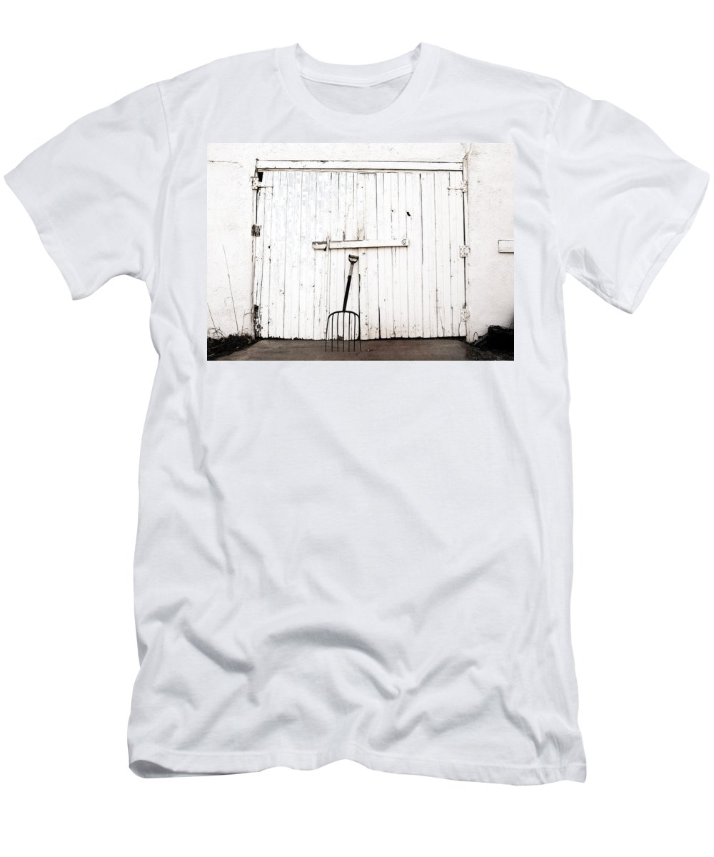 Americana Men's T-Shirt (Athletic Fit) featuring the photograph Pitch Fork by Marilyn Hunt