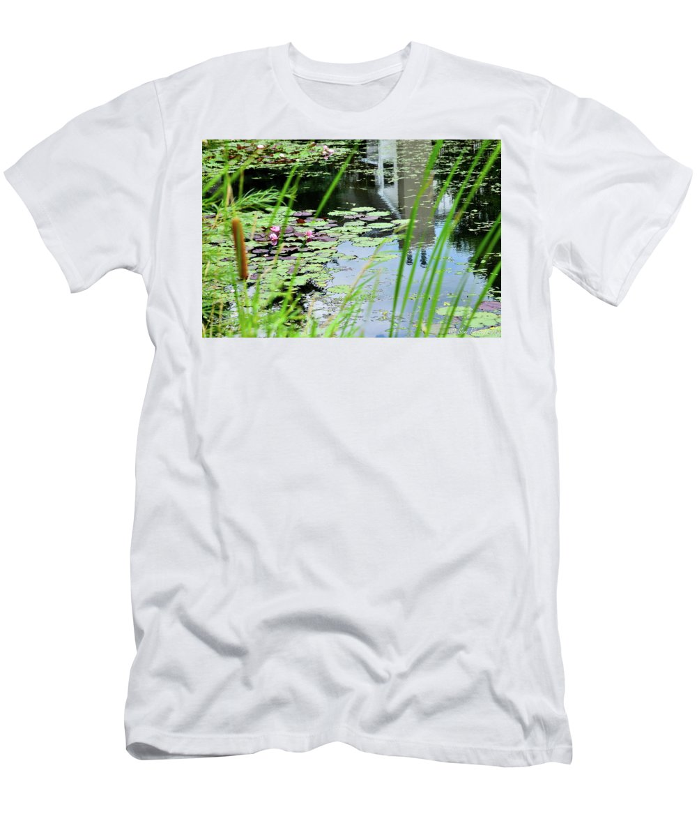 Diagonal Men's T-Shirt (Athletic Fit) featuring the photograph Pond by Soni Macy