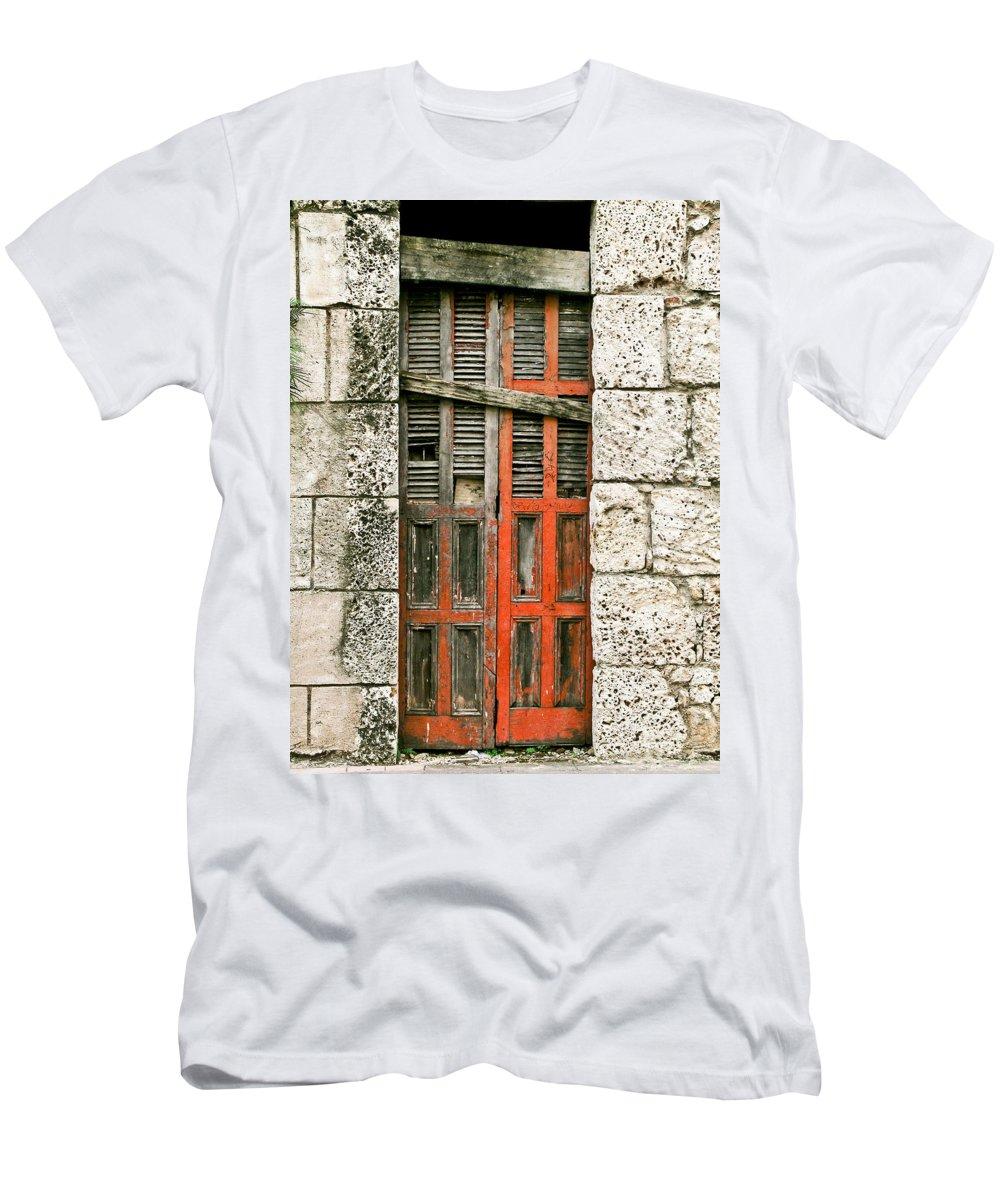Door Men's T-Shirt (Athletic Fit) featuring the photograph Red Door by Douglas Barnett