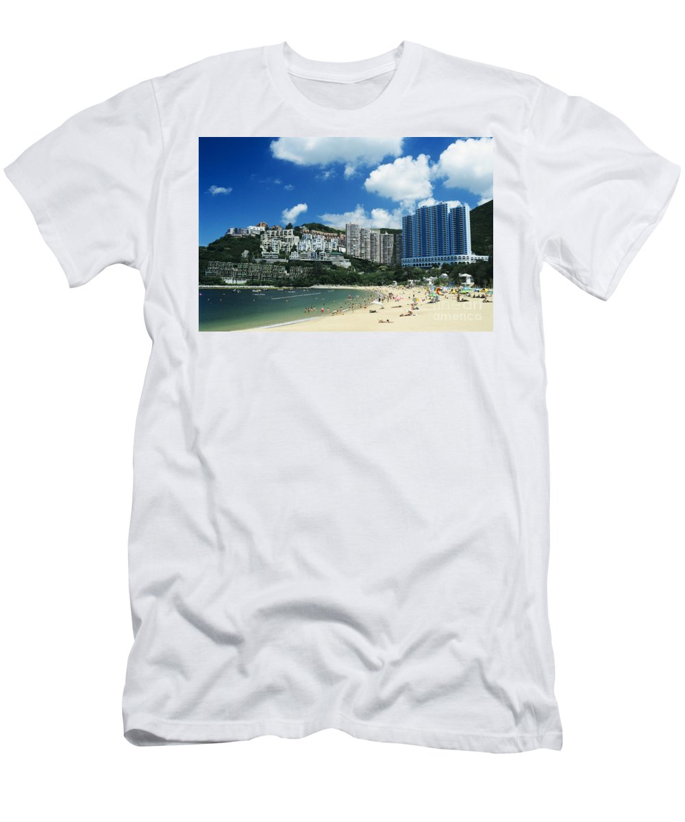 Afternoon Men's T-Shirt (Athletic Fit) featuring the photograph Repulse Bay by Gloria and Richard Maschmeyer - Printscapes