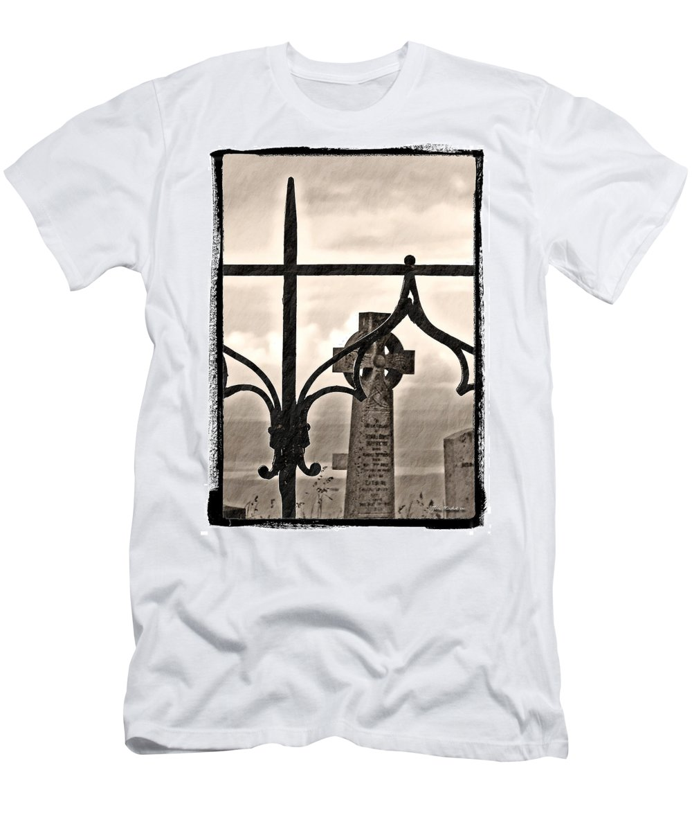 Grave Men's T-Shirt (Athletic Fit) featuring the photograph Resting Place by Joan Minchak