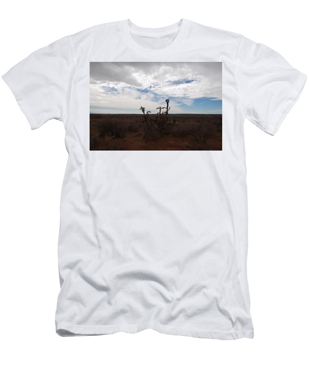 New Mexico Men's T-Shirt (Athletic Fit) featuring the photograph Rio Rancho New Mexico by Rob Hans