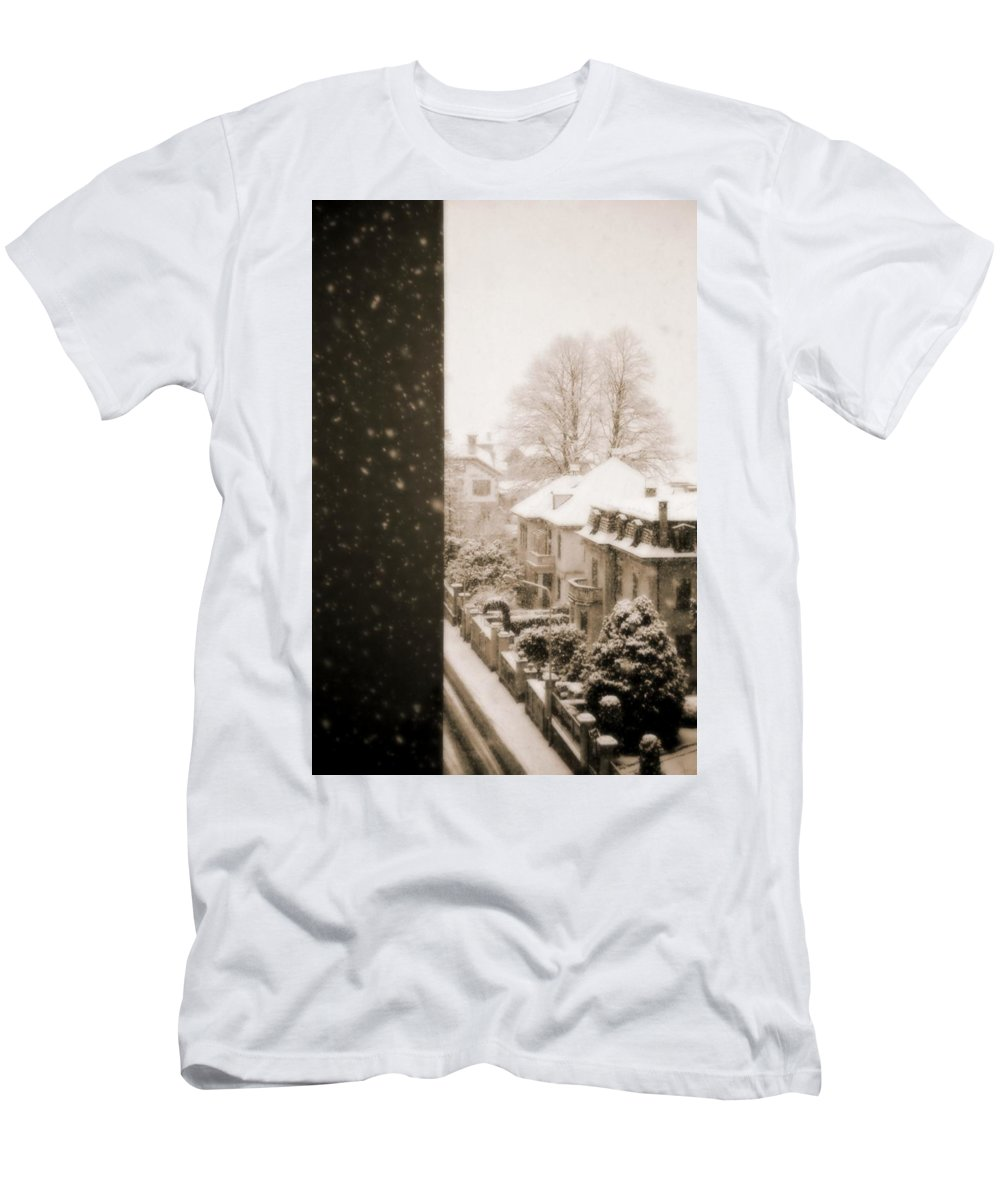 Snow Men's T-Shirt (Athletic Fit) featuring the photograph Snowy Afternoon by Silvia Ganora