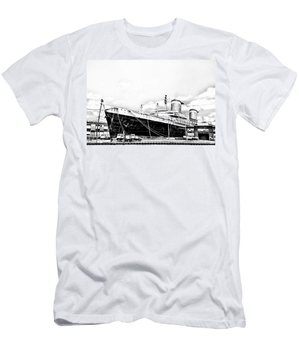 Philadelphia Men's T-Shirt (Athletic Fit) featuring the photograph Ss United States by Bill Cannon