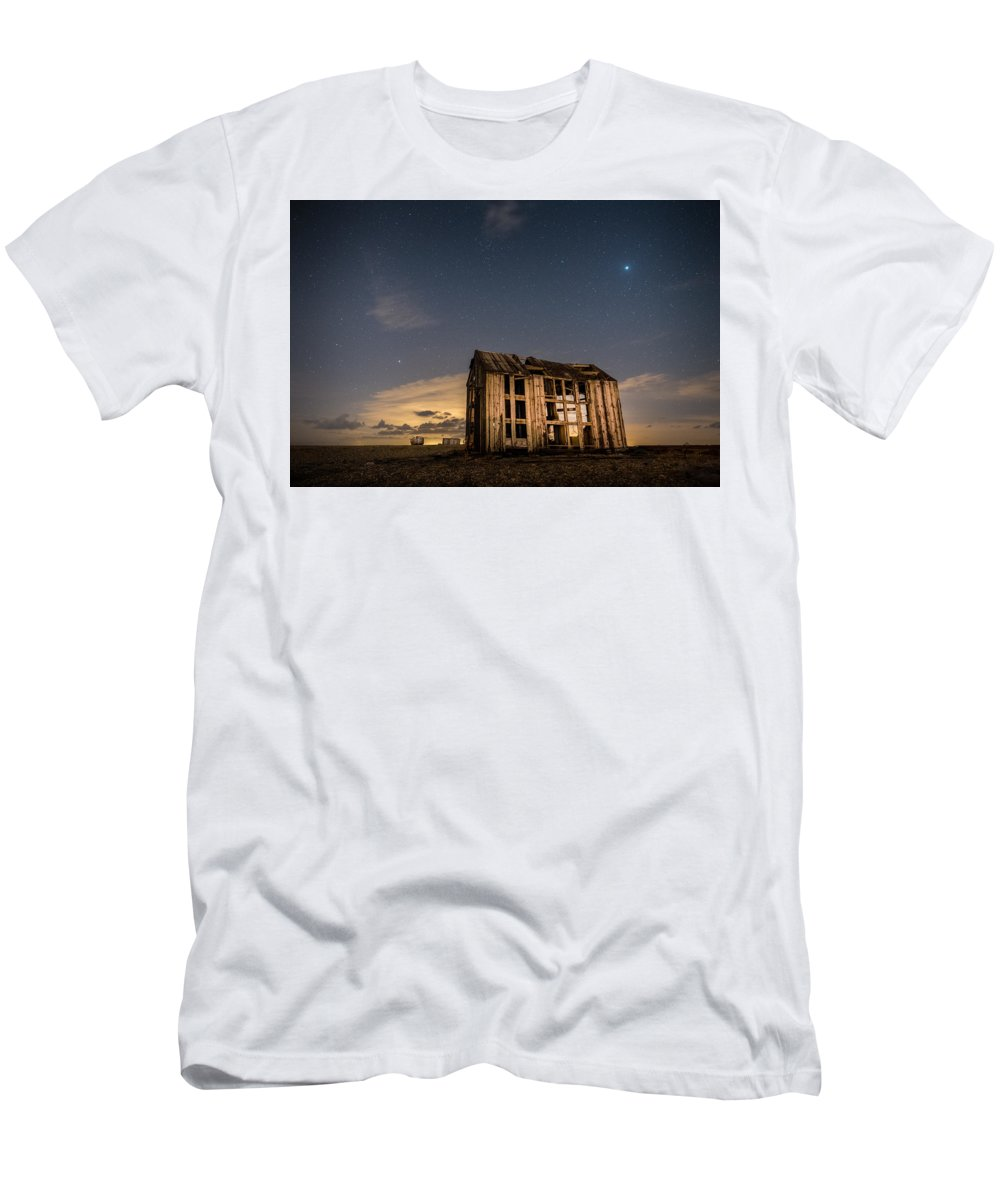 Dungeness Men's T-Shirt (Athletic Fit) featuring the photograph Starry Night At Dungeness by David Attenborough
