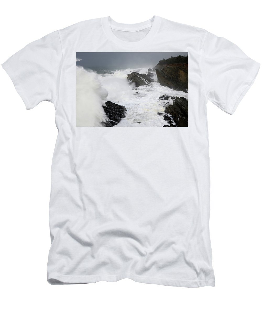 Lighthouse Men's T-Shirt (Athletic Fit) featuring the photograph Storm On The Oregon Coast 2 by Bob Christopher