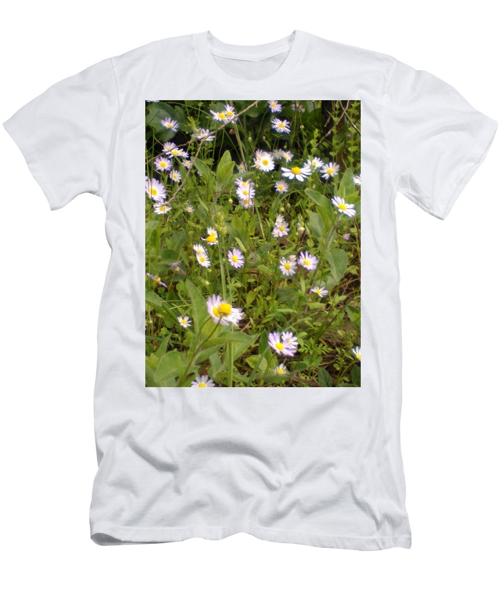 Woods Men's T-Shirt (Athletic Fit) featuring the photograph Summer Days by Lesli Sherwin