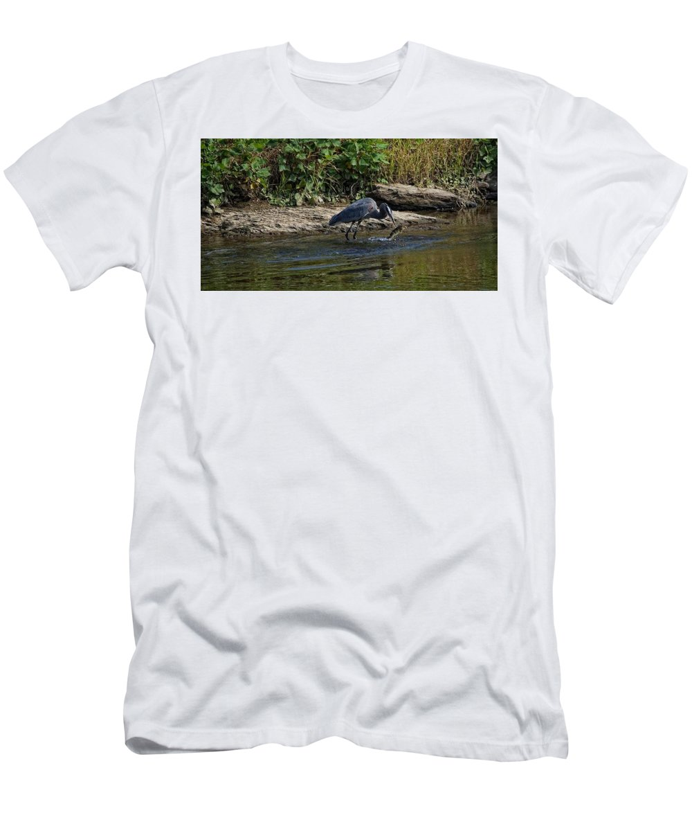 Bird Portrait Men's T-Shirt (Athletic Fit) featuring the photograph The Catch by John Prickett