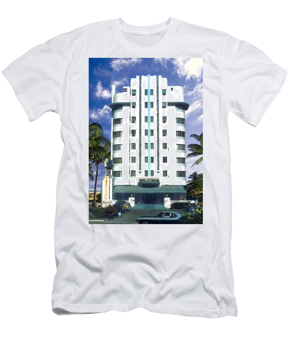Miami Men's T-Shirt (Athletic Fit) featuring the photograph The New Yorker by Steve Karol