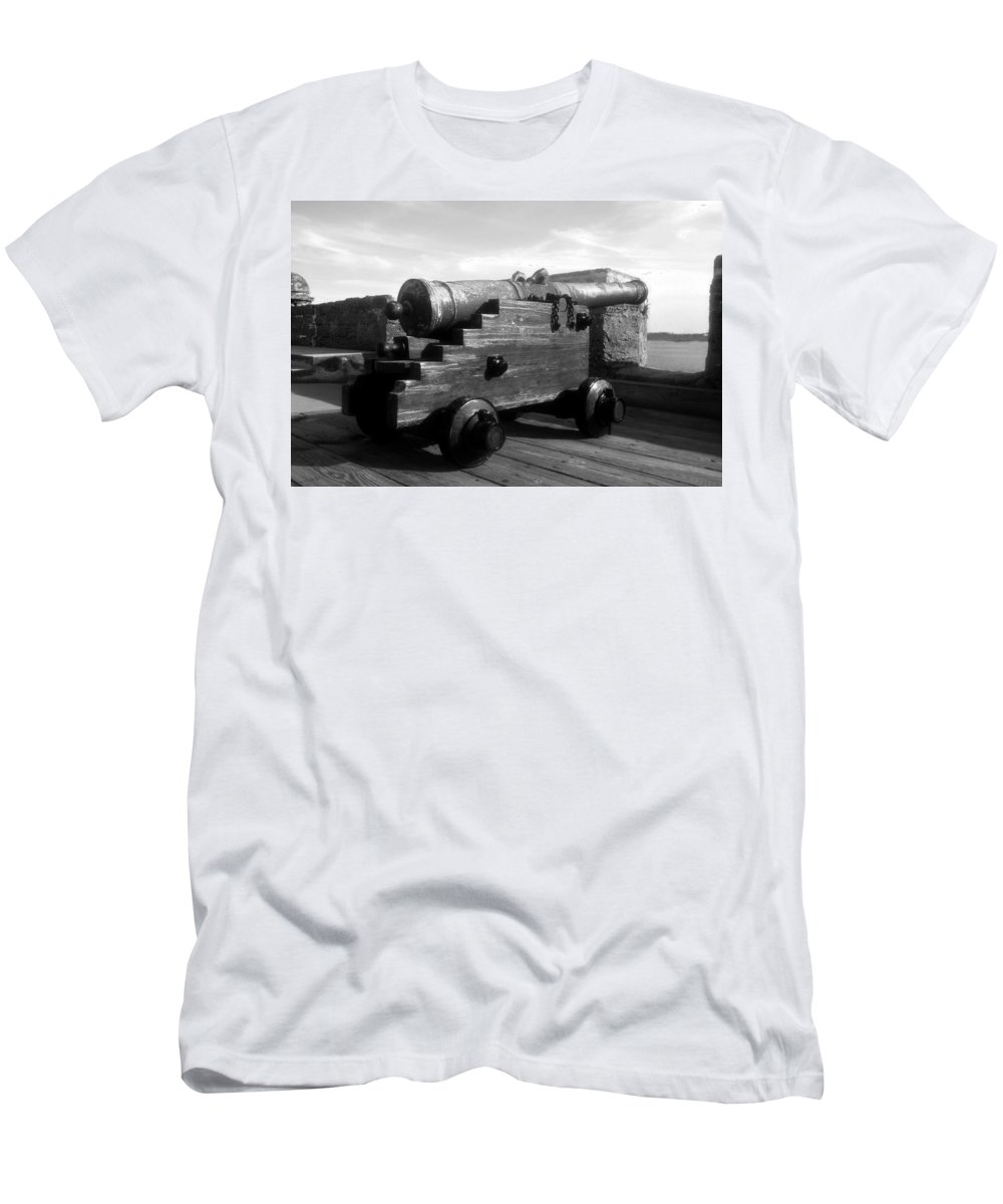 Castillo De San Marcos National Monument Men's T-Shirt (Athletic Fit) featuring the photograph The Old Castillo by David Lee Thompson