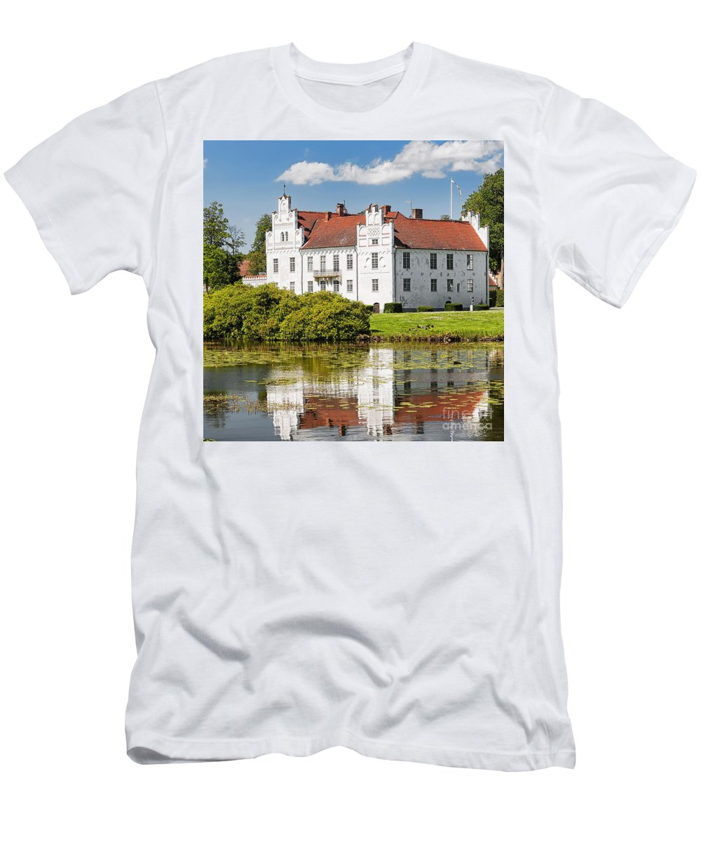 Wanas Men's T-Shirt (Athletic Fit) featuring the photograph Wanas Slott With Reflection by Antony McAulay