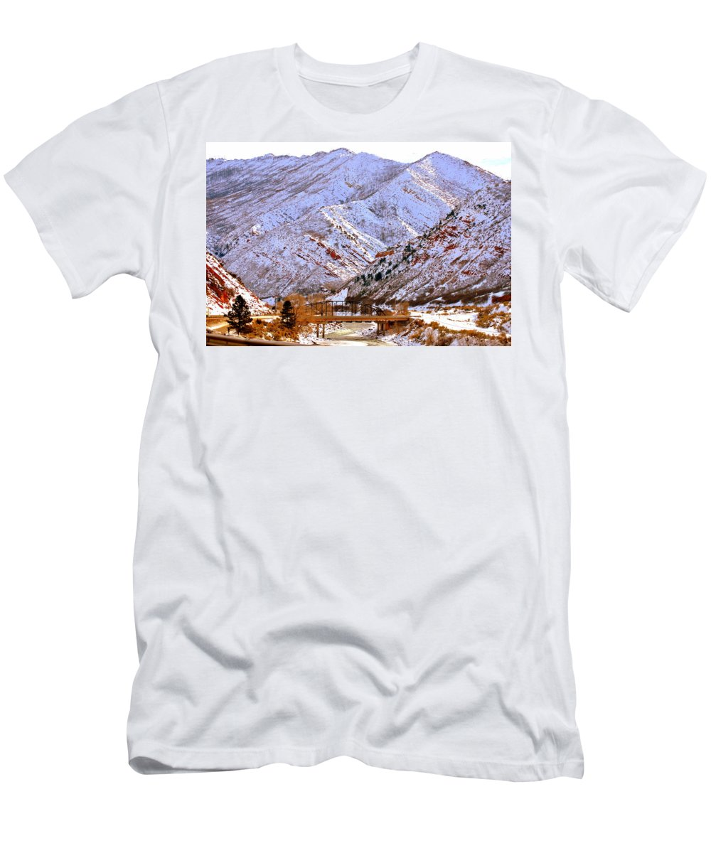 Grand Junction Men's T-Shirt (Athletic Fit) featuring the photograph Winter In Grand Junction by Regina Strehl