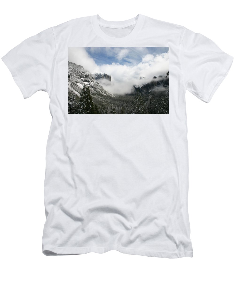 Landscape Men's T-Shirt (Athletic Fit) featuring the photograph Winter Inspiration by Travis Day
