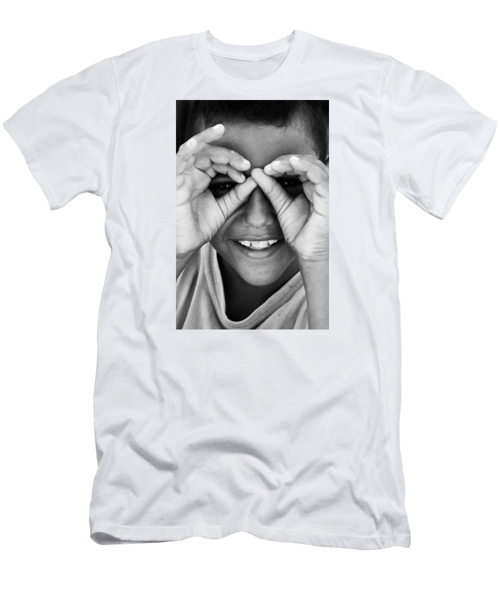 Hurghada Men's T-Shirt (Athletic Fit) featuring the photograph Yup No Ships by Jez C Self