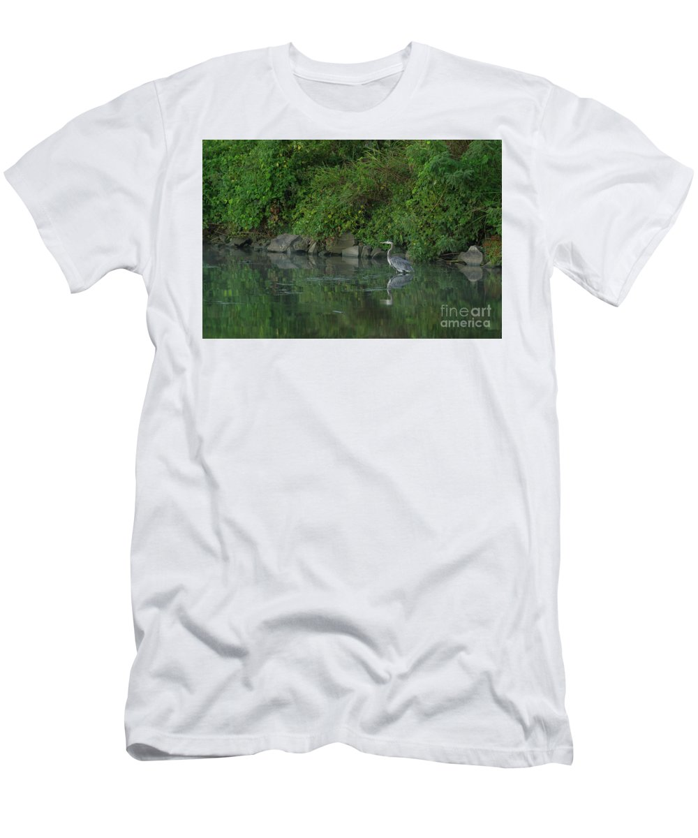 Bird Men's T-Shirt (Athletic Fit) featuring the photograph Great Blue Heron - 5922 by Jerry Owens