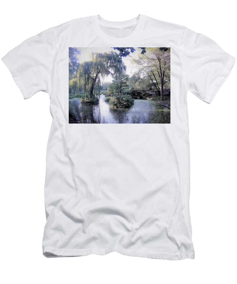Trees Men's T-Shirt (Athletic Fit) featuring the photograph Mossy Lake by Katherine Taibl